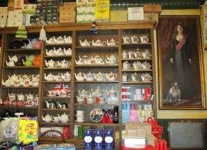 shelves-of-teaware