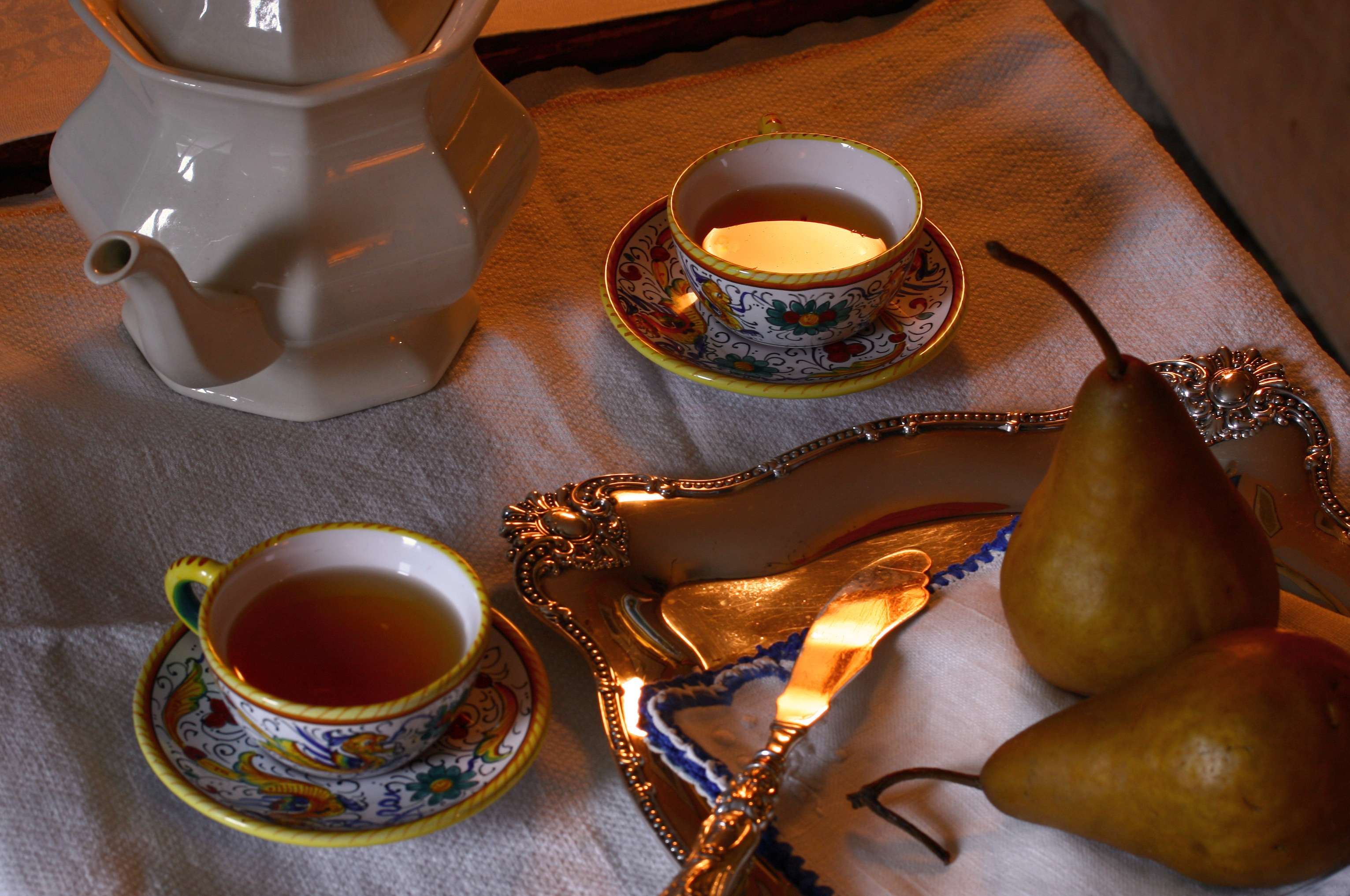 A Fine Duo: Asian Pears and Tea