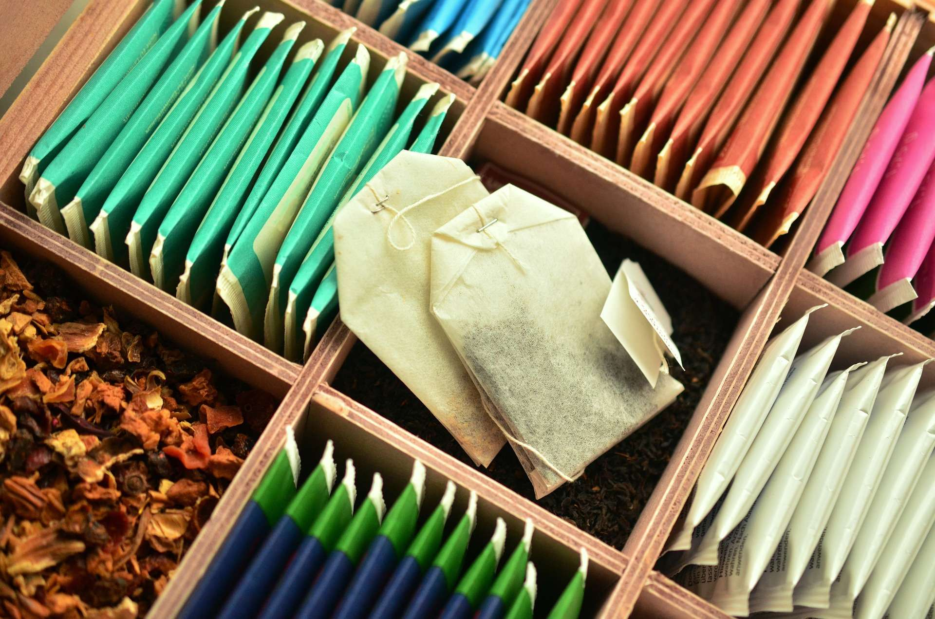 Three Alternatives to Regular Black Tea: Green Tea, White Tea, Red Tea